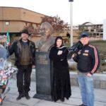 Делегация у памятника