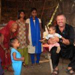 С ребенком Индии